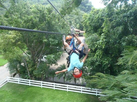 Hotel Borinquen Mountain Resort: la adrenalina del canopy