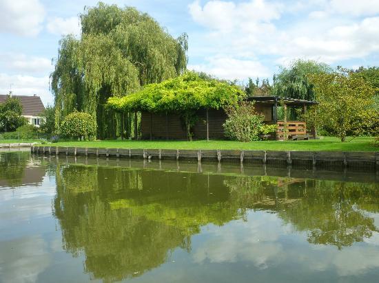 Grange de la Herde : Floating Gardens, Camon