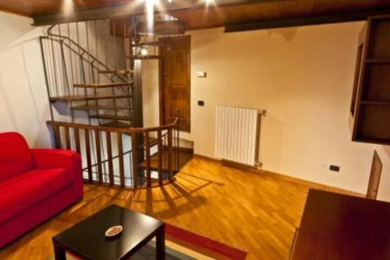 Il Melograno: Il salotto con divano letto