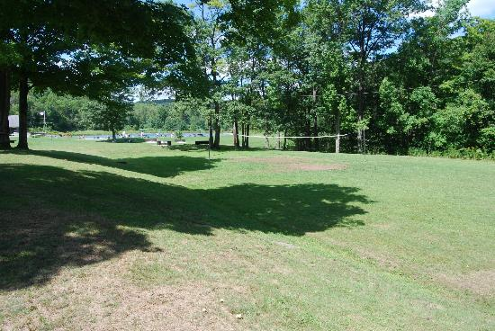 The Belleayre Beach at Belleayre Mountain: Horseshoe Pits/Volleyball Court