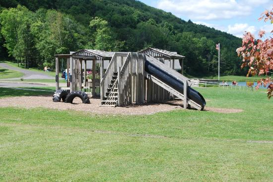 The Belleayre Beach at Belleayre Mountain: Playground Equipment