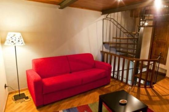 La Casa del Melograno: Il Salotto con Tv e divano letto