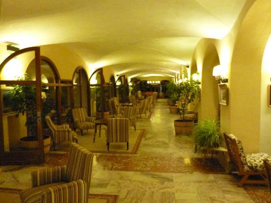 Le Grand Hotel: Sallon