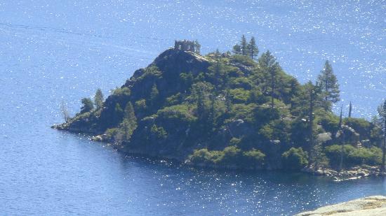 Lake Tahoe: Isla en el lago