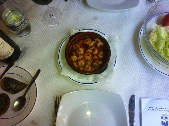 La Cueva - gambas pil-pil (prawns with garlic and chilli)