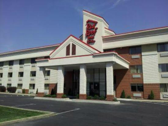 Red Roof Inn U0026 Suites Cleveland   Elyria   UPDATED 2017 Prices U0026 Motel  Reviews (Ohio)   TripAdvisor