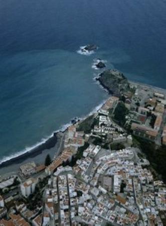 El Tranco del Mar: Peñones del Santo 150metros