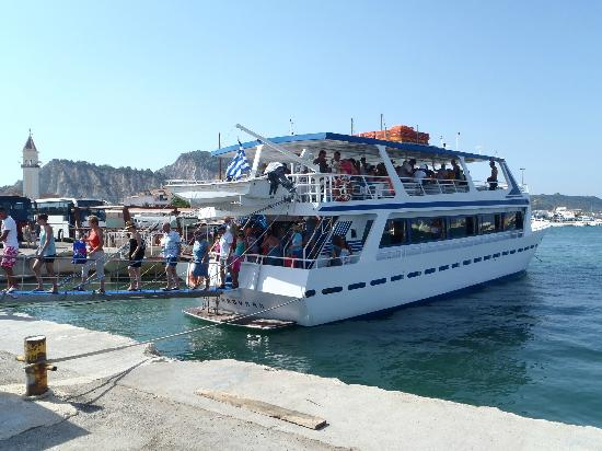 Arion Resort: Boat at seaport in Zante