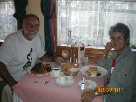 Elizabeth's Chalet Restaurants: Vern and Ruth