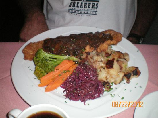 Elizabeth's Chalet Restaurants: Hunter Schnitzel