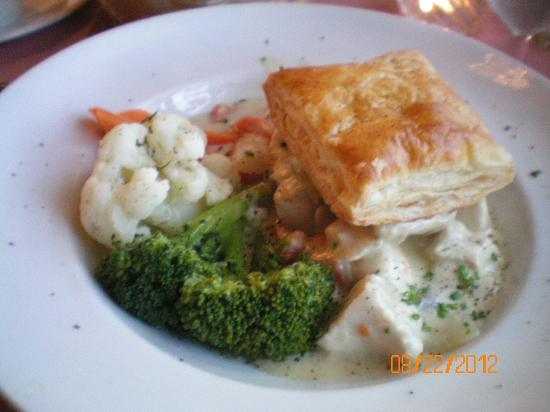 Elizabeth's Chalet Restaurants: chicken pot pie