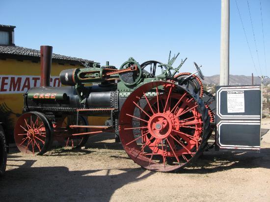 Museo de Tractores: Tractor Case a vapor 1888