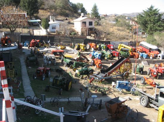 Museo de Tractores: Patio del museo