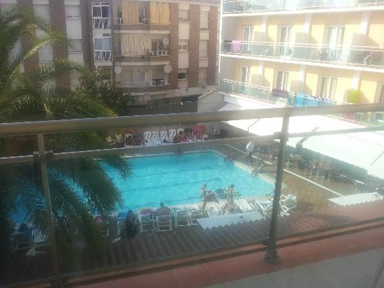 Hotel La Palmera: la piscina