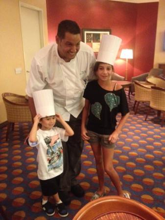 Anaheim Marriott Suites: kids with Chef Hani Alie 