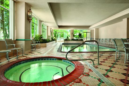 Emby Suites By Hilton Charleston Pool And Whirlpool Area