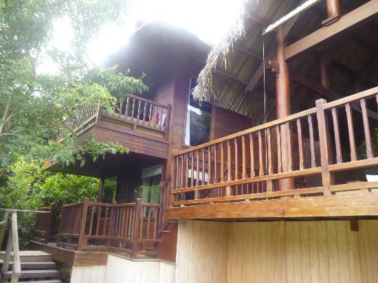 An Lam Ninh Van Bay Villas: Villaansicht vom Pool aus