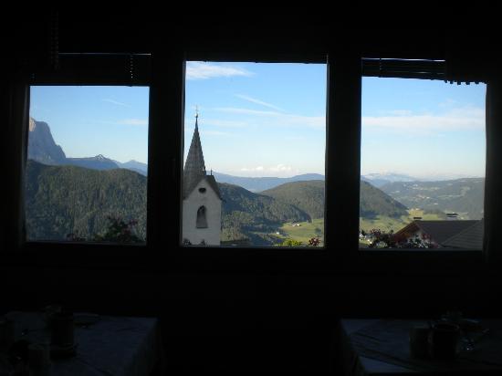 Haus Tirol : In sala ristoro il panorama è mozzafiato
