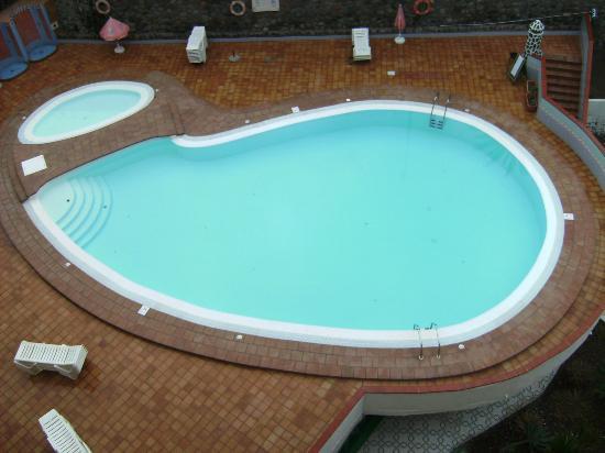 Guinea Apartments: good size pool 