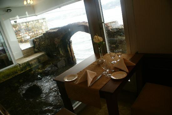 بوسفوروس بالاس هوتل - سبيشال كلاس: comedor con vista al mar