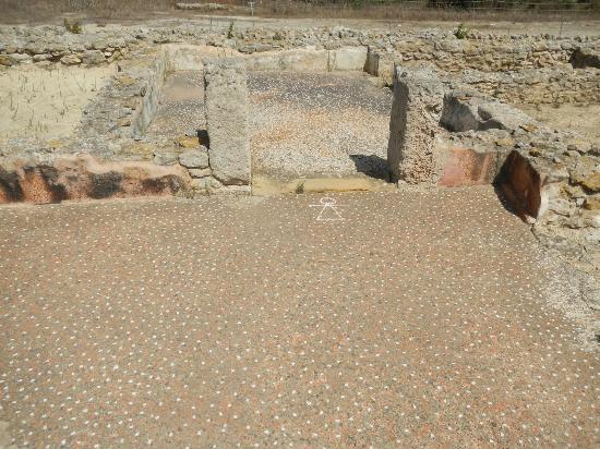 Ruins of Kerkuane : Simbolo di Tanit