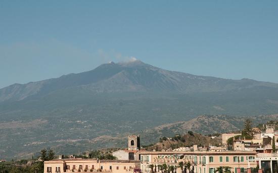 Hotel Villa Paradiso: L'Etna vu de Taormine
