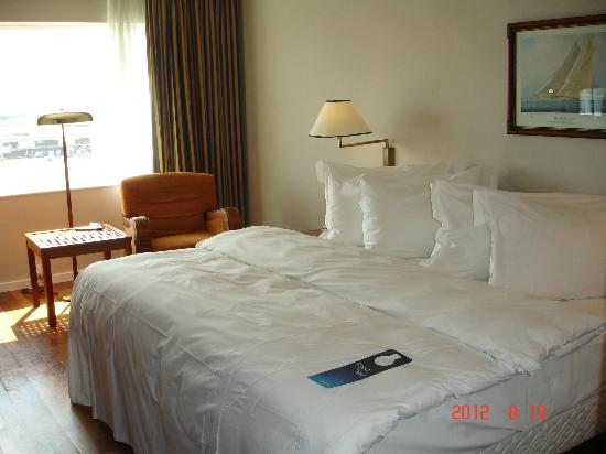 Radisson Blu Hotel, Manchester Airport: our room