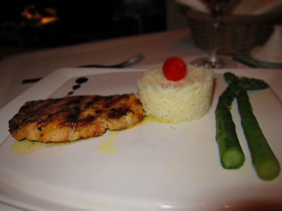 Kalypso Piano Restaurant: Fish entree (not a very large portion)