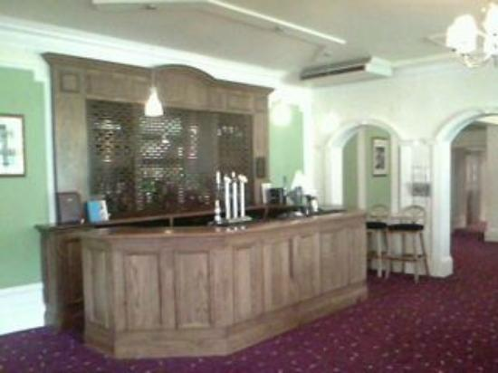 Westone Manor Hotel: BAR AREA
