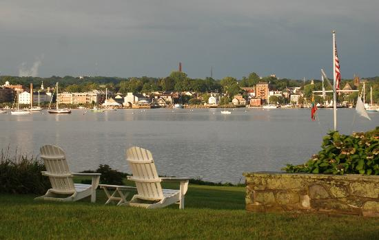 Point Pleasant Inn: Bristol Harbor