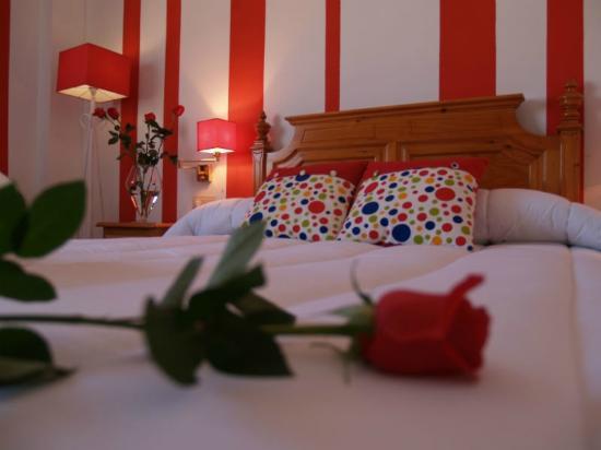 Hotel Corona de Atarfe: Detalle de la Suite