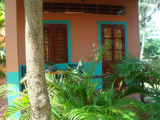 Amigos Guesthouse: Outside a Bungalow