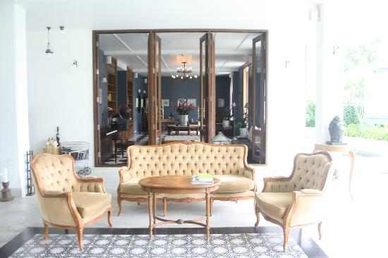 Devasom Hua Hin Resort: Veranda
