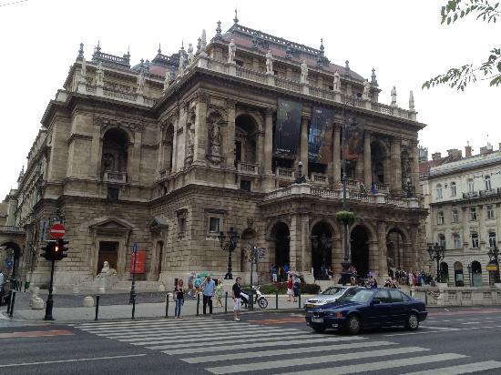 Budapest Operetta Theatre: Budapest Opera House 