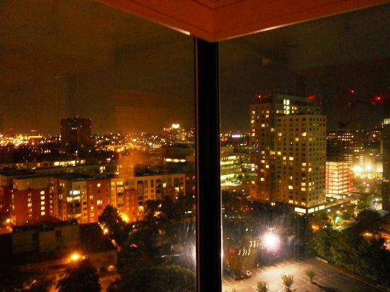 Boston Marriott Cambridge: Nighttime Boston