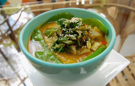 Jardin del Parque : Thai Soup with Coconut Milk and Vegetables