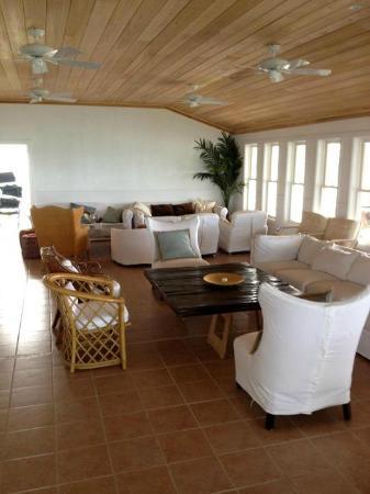 Exuma Yacht Club: The restaurant - inside