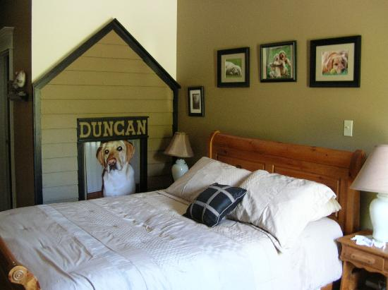 Round Da Bay Inn: Duncan's Den - pet-friendly room