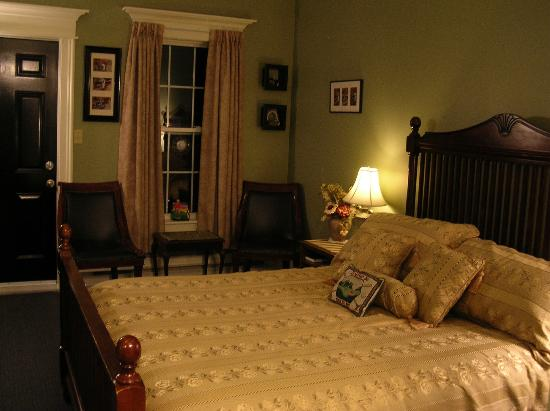 Round Da Bay Inn: Eric's Green - golf themed room