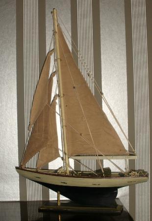 Watersmeet Hotel: .boat