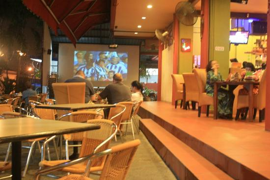 Aldy Hotel Stadthuys: soccer game at night at big screen