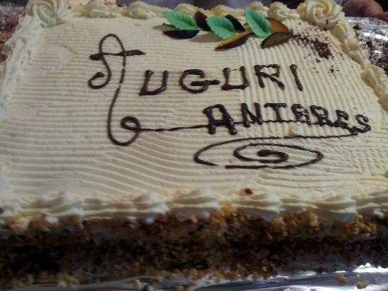 Hotel Mediterranee Lourdes : LA TORTA DI AUGURI DELL'ANTARES