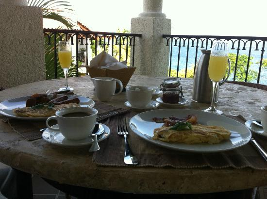 Cap Maison: breakfast on our balcony