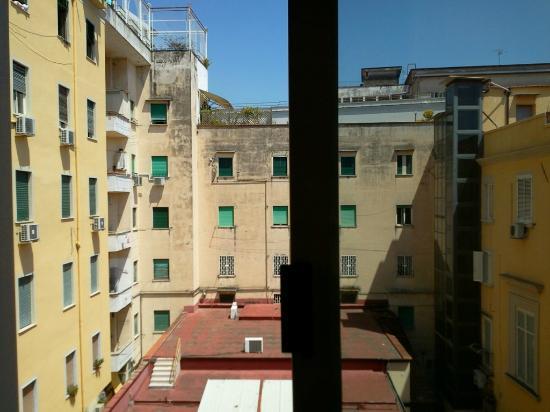 Hotel Europeo & Flowers: Vue de la fenêtre