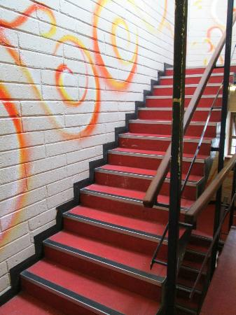 Isaacs Hostel: Stairs (they don´t have lifts)