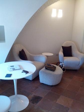Nun Assisi Relais & Spa Museum: il salottino della suite