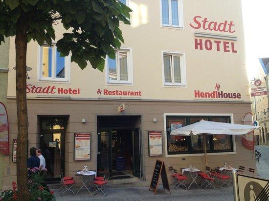 Stadthotel Passau: Outside of Hendl House Hotel
