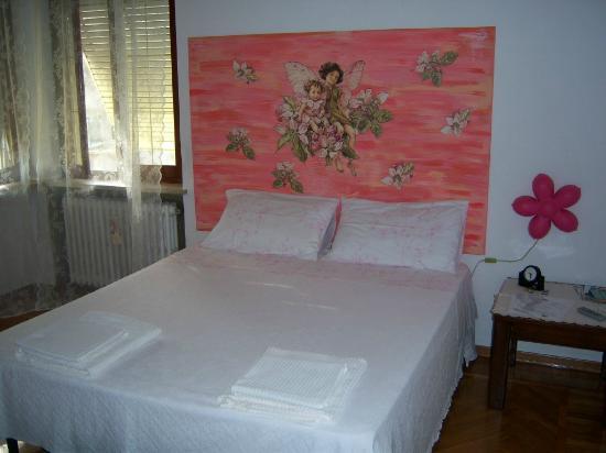 B&B Mimosa: Camera rosa