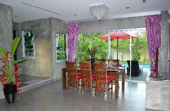 Pura Vida Villas Phuket: salle à manger