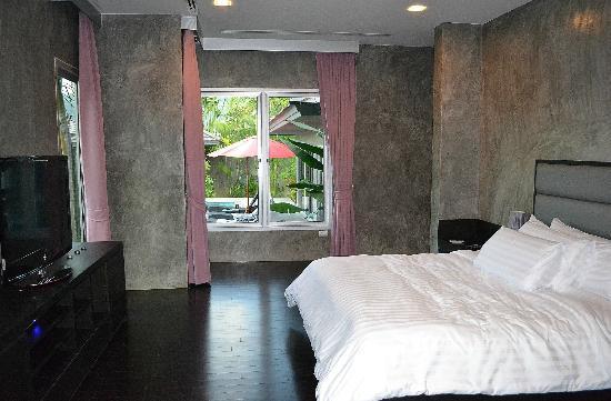 Pura Vida Villas Phuket: vue de la chambre